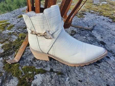 NETTBUTIKK | Bibba.no klær, sko, vesker og tilbehør i